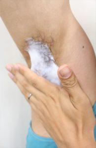 Nullリムーバークリームを使って脇毛除毛する画像7