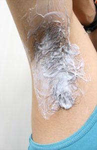 Nullリムーバークリームを使って脇毛除毛する画像10
