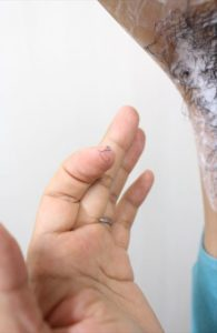 Nullリムーバークリームを使って脇毛除毛する画像17