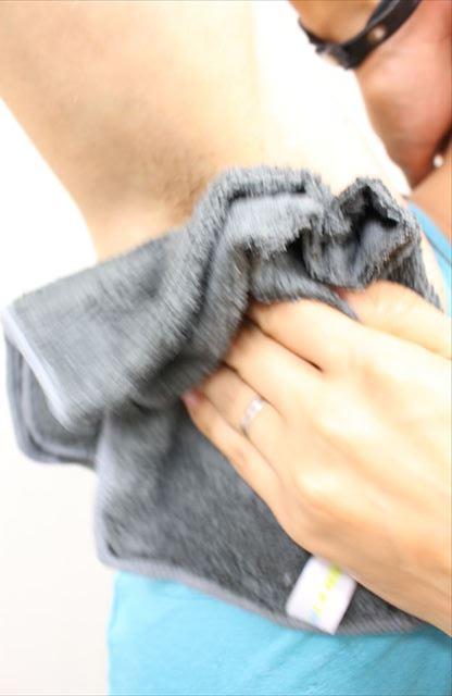 Nullリムーバークリームを使って脇毛除毛する画像32